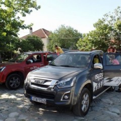 Vehicle donation by PETROS PETROPOULOS AEBE for the excursion to Olympus